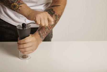Top 15 Best Manual Coffee Grinders in 2020
